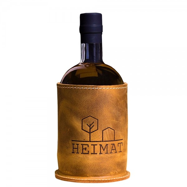 Heimat Barrel Aged Dry Gin mit Lederhülle | Intra Wine and Spirits