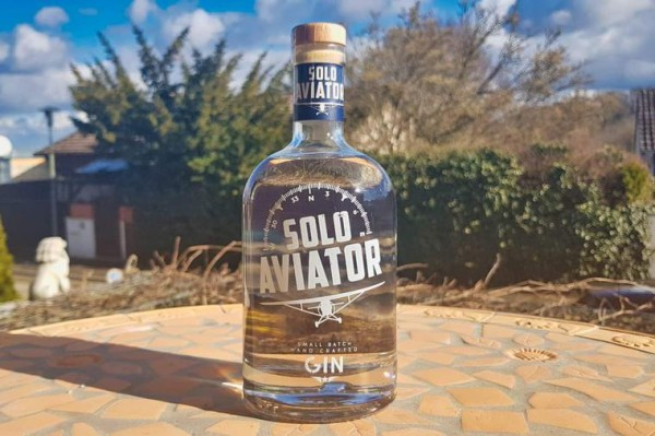 solo-aviator-gin